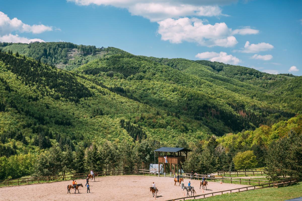 Hodiny jazdenia na koni 2 -Jazdecký Areál Sv. Františka